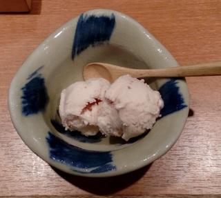 アイスのデザート 期間限定のサービス 「神戸六甲道・ぎゅんた」 大名古屋ビルヂング3階