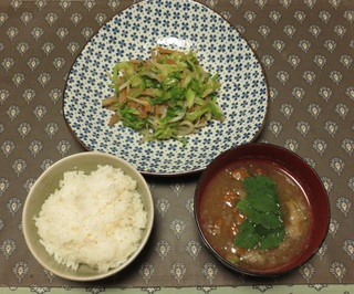 Grated Japanese white radish soup with nameko mushroom